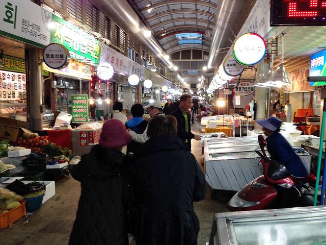 安東の市場