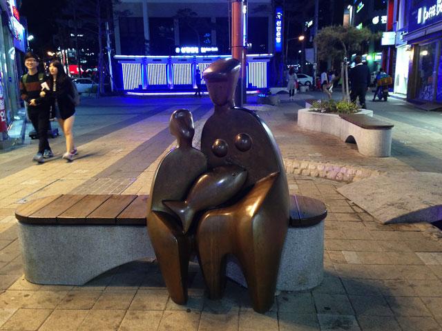 商店街の彫刻